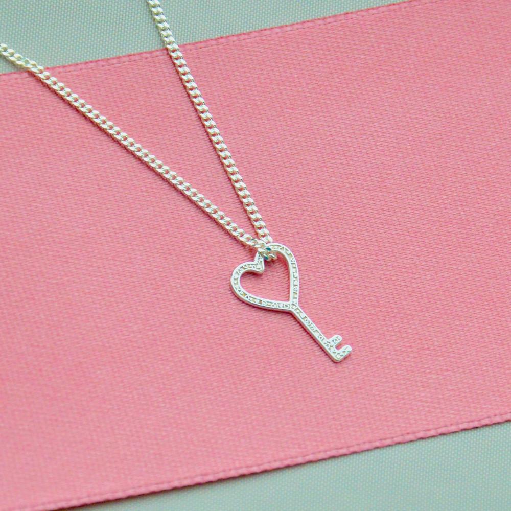 Stříbrný přívěsek na Heart Key