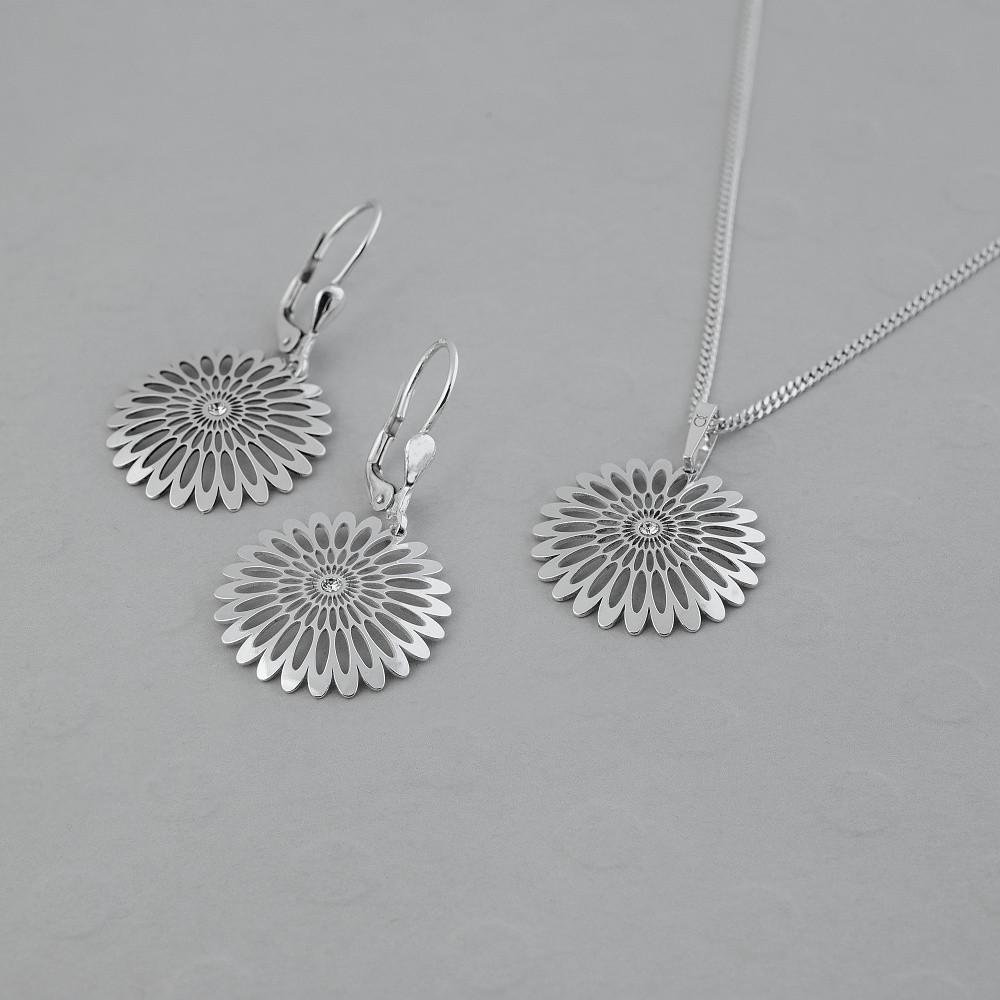 Stříbrný set přívěsku, řetízku a náušnic Shining Blossom