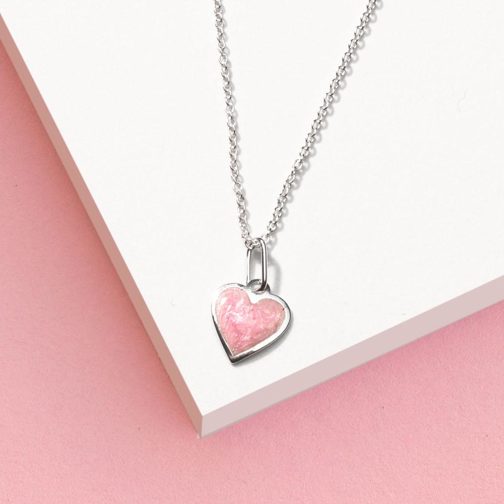 Dětský stříbrný přívěsek na řetízku Růžové srdce