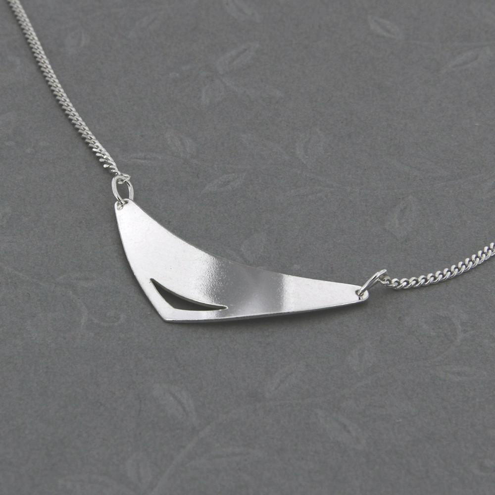Stříbrný náhrdelník Prioria
