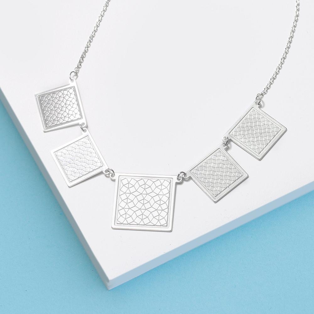 Stříbrný náhrdelník Matrix