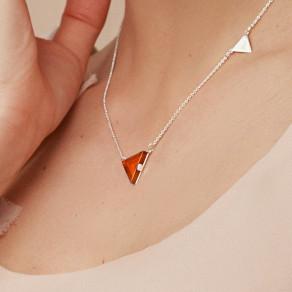 Stříbrný náhrdelník Triangle