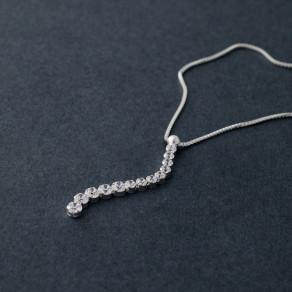 Stříbrný náhrdelník Linea